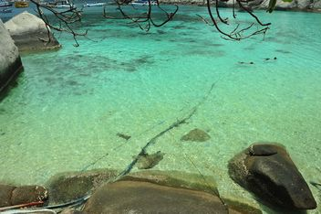 Sea water of Nangyuan lsland in thailand - бесплатный image #344055