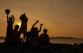 Children on a sea at subset - Free image #344085