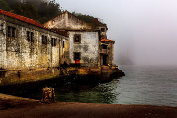 the old factory and the mist - image gratuit #344505