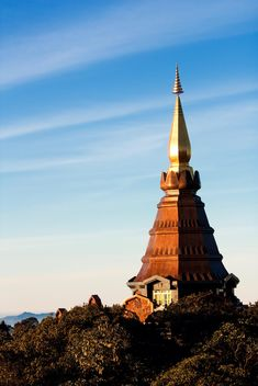 Doi Inthanon pagoda against blue sky, Chiangmai, Thailand - бесплатный image #346295
