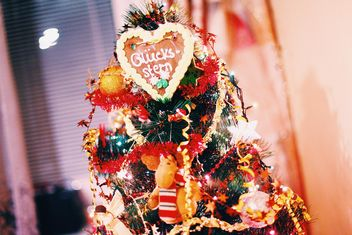 Decorated Christmas tree closeup - image gratuit #347815