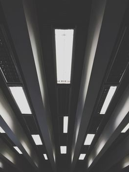 lights at the subway station - image gratuit #365115