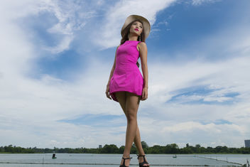 Pink Dress & Blue Sky - image gratuit(e) #372375