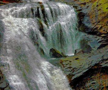 Bald River Falls Roars A1 - image #389415 gratis