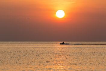 Jetski at sunset XOKA9593 - image #411405 gratis