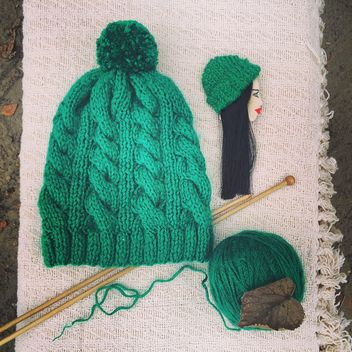 Knitted hat, yarn and knitting needles - image #136685 gratis