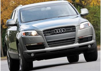 Audi Q7 Wallpaper - vector gratuit #161415