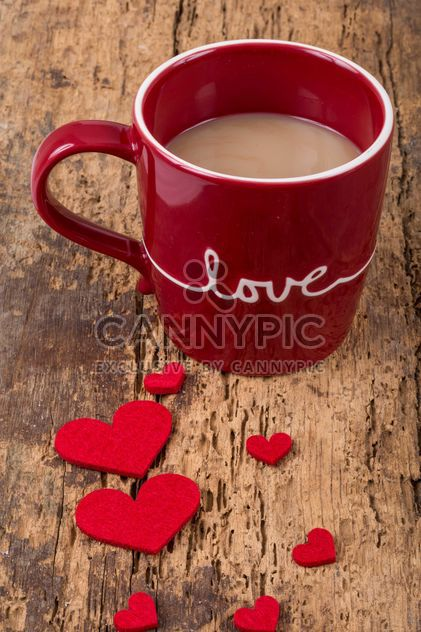 Red cup of coffee and hearts - image gratuit #182915