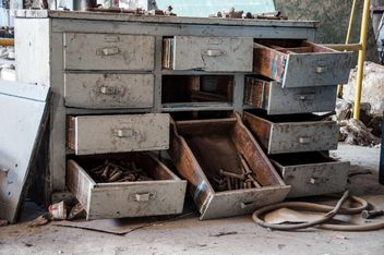 Drawers in abandoned building - бесплатный image #182975