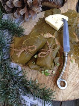 Dolma decorated with needles - image #183325 gratis