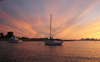 Sunset in the Boston Harbor - image #183355 gratis