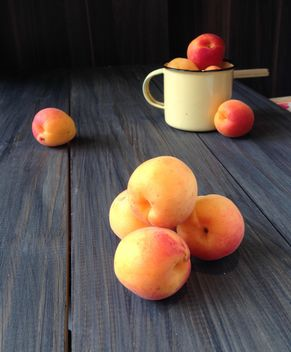 Juicy fresh peaches - image #183815 gratis