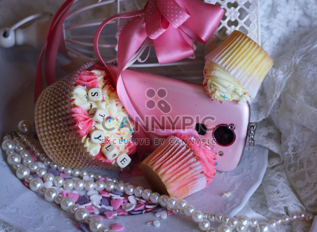 Eyeshadows with cupcakes - Free image #187165