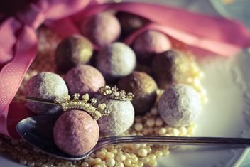 Close up of Pink glitter balls for decoration - бесплатный image #187325