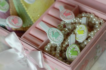 Easter decorations in box - image #187615 gratis