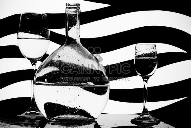 Black and white wine glasses and bottle - image #187725 gratis