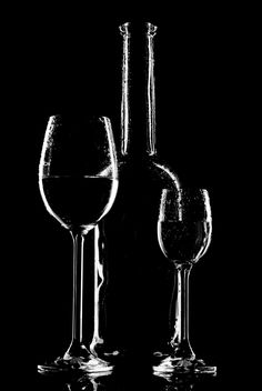 Goblets and bottle - image #187735 gratis