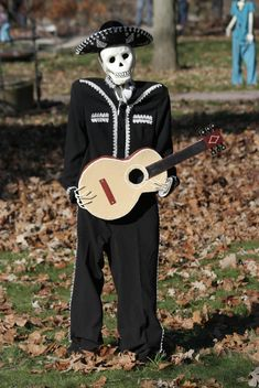 Skeleton Mariachi on halloween 2014 - image gratuit #187835