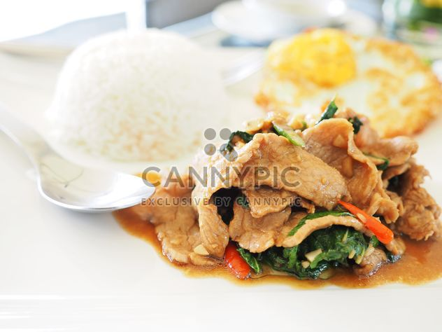 beef and basil fried with rice # thaifood - image #194375 gratis
