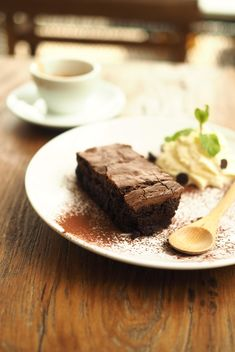 Brownies on the wood texture - image gratuit #197935