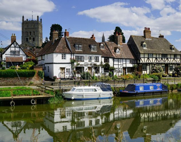 Houses and boats on the Severn river, southwestern Britain - image #198295 gratis