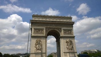 Arc de triomphe #oldcity #travel #europe #french #france #sky #clouds #tall #architecture #building #gate#carvings #sculpture #city#old#historical #landmark #famous #paris#facade#altstadt - Kostenloses image #199835