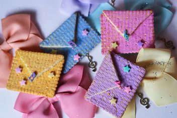 Cookies With A colorful Bows - image gratuit #201015