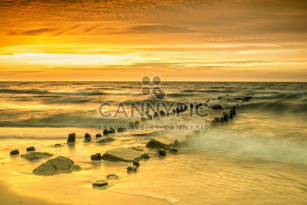 Sunset on a sea - image #271985 gratis