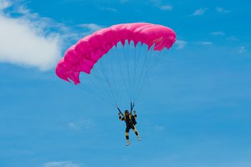 Pink parachute flight - бесплатный image #273635