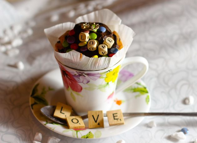 Decorated cupcake in a cup - image gratuit #273885
