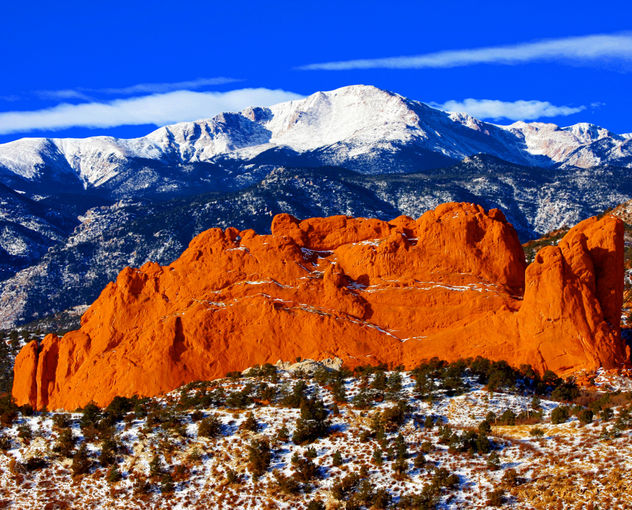 Sweet America, Pikes Peak Mounatin from Garden of the Gods Park, with Kissing Camels in the foreground, located in Colorado Springs, CO. - image gratuit #279735