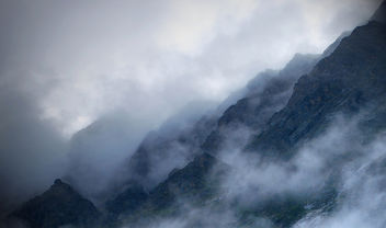 Far over the Misty Mountains cold... - image #280515 gratis