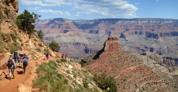 Grand Canyon National Park: Hikers Descending South Kaibab Trail 0233 - бесплатный image #290745