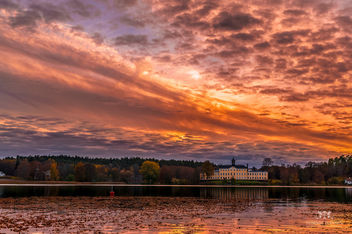 Ulriksdals Slott in fall and sunset - image gratuit #291285