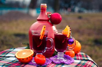 hot mulled wine in beautiful glasses - image gratuit #297525