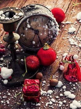 Christmas decorations, vintage clock and candlestick - бесплатный image #302015