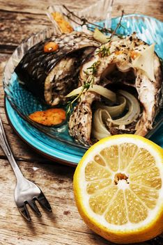 Baked fish and lemon - image gratuit #302075
