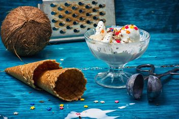 Ice cream, wafer cups and coconut - Free image #302095