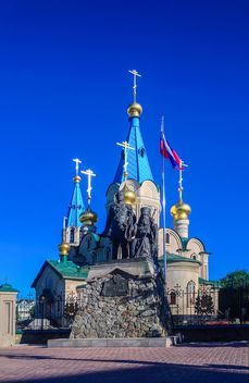 Cathedral of the Annunciation and Monument of Nikolay Muravyov-Amursky and Saint Innocent of Alaska and Siberia - Free image #302785