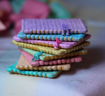 Cookies decorated with glitter - image gratuit #303255