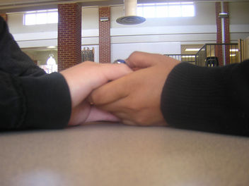 holding hands - Kostenloses image #307705