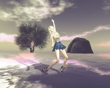 The girl who danced on the water - Kostenloses image #325715