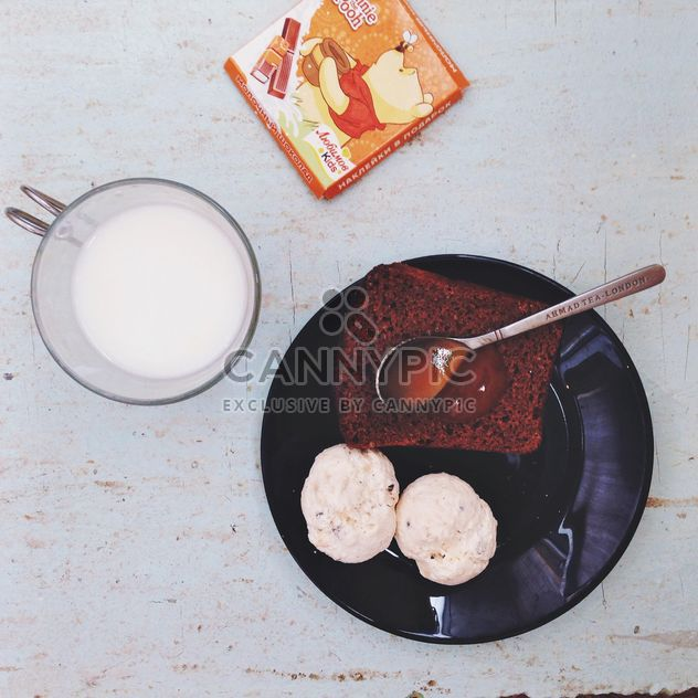 Bread with jam with warm milk - Free image #328055