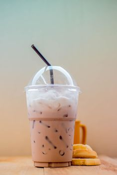 Iced coffee in plastic glass - image gratuit #330425