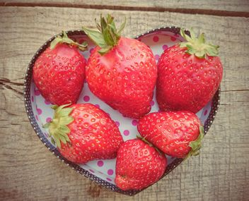 Strawberries in a bowl - image gratuit #330695
