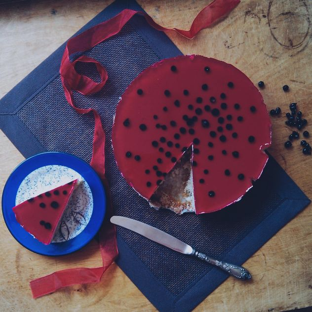 Cake with berries on blue plate - Free image #330905