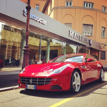 Red Ferrari car - image gratuit #331135