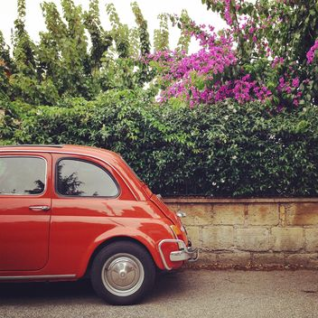 Red Fiat 500 car - image gratuit #331225