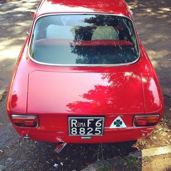 Red Alfa Romeo car - image gratuit #331305