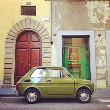 Retro green Fiat car - image gratuit #331435
